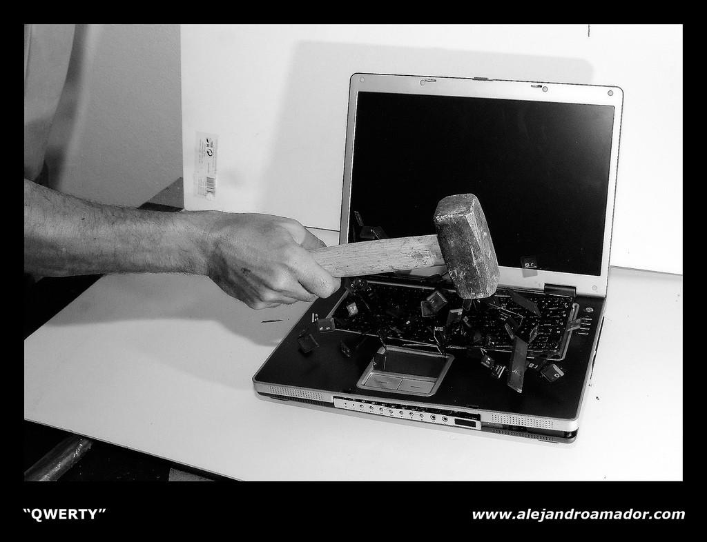 zepsuty laptop